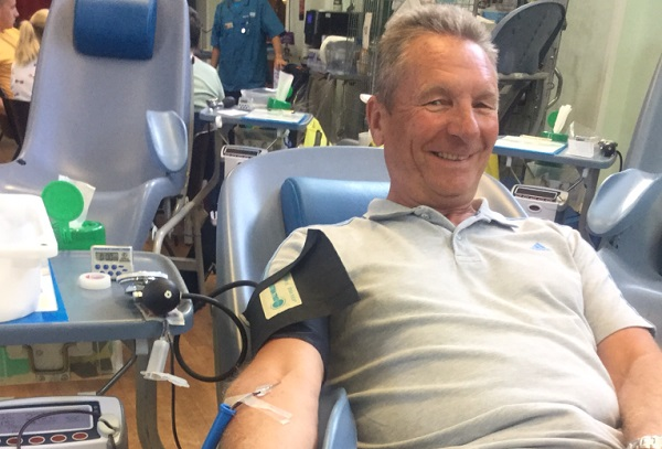 Geoff notches up 250 blood donations