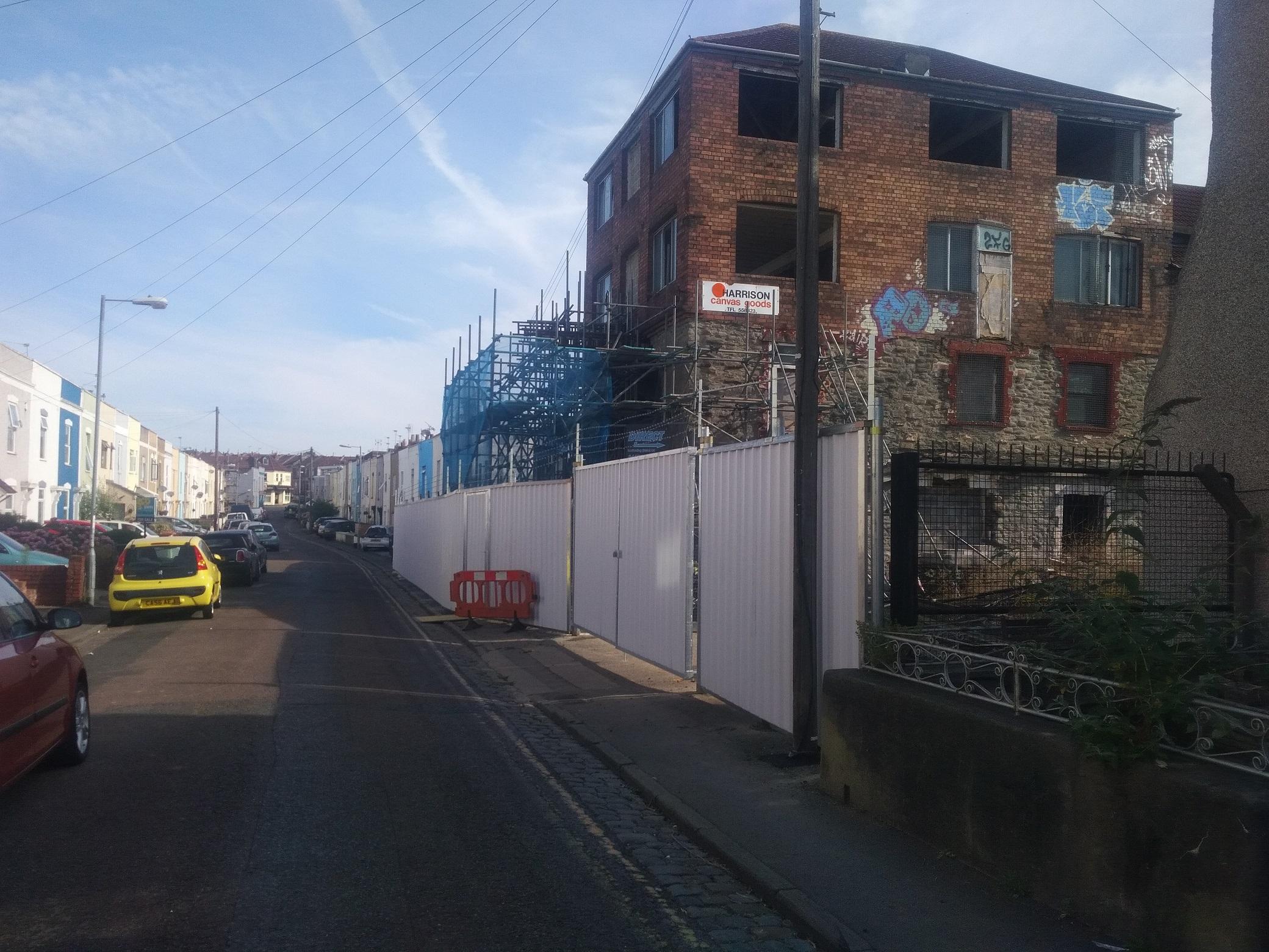 [photo] Lyppiatt Rpad after new hoardings erected