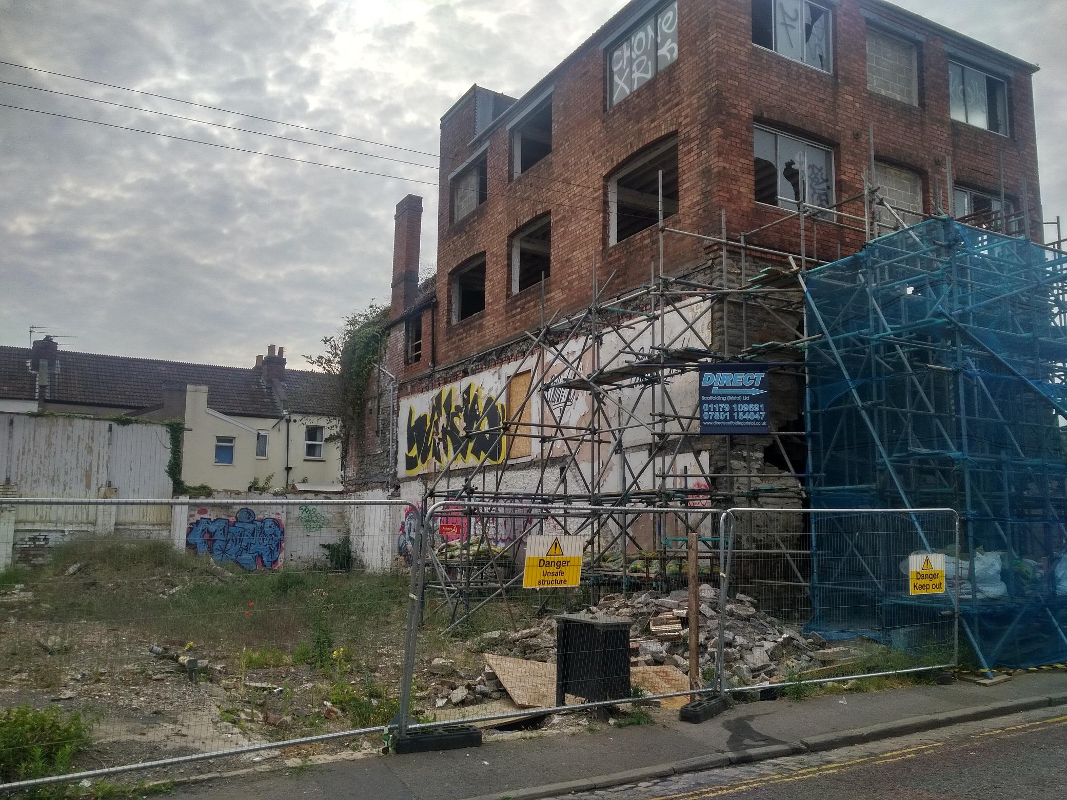 [photo] Lyppiatt Road  development